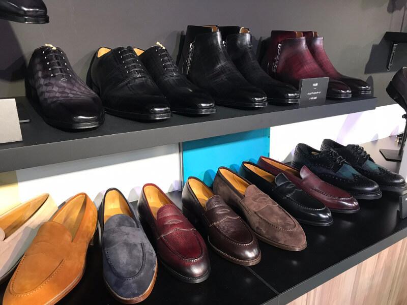 他にもたんさん限定靴が販売されてます