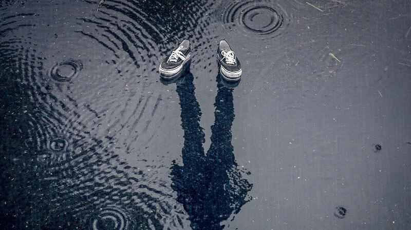 雨で濡れた靴は乾かすのに時間がかかる