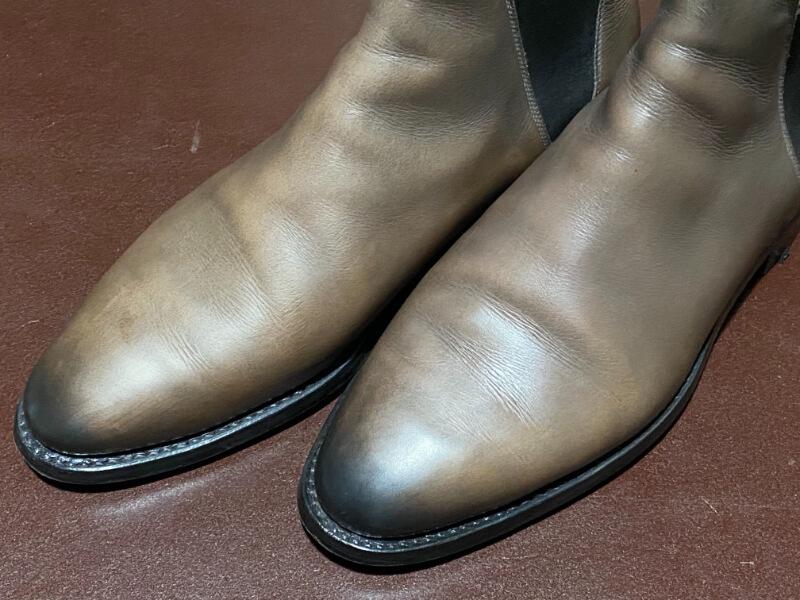 望遠レンズで撮影した靴の写真