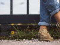 素足で革靴を履くと匂い発生のリスクが高まる