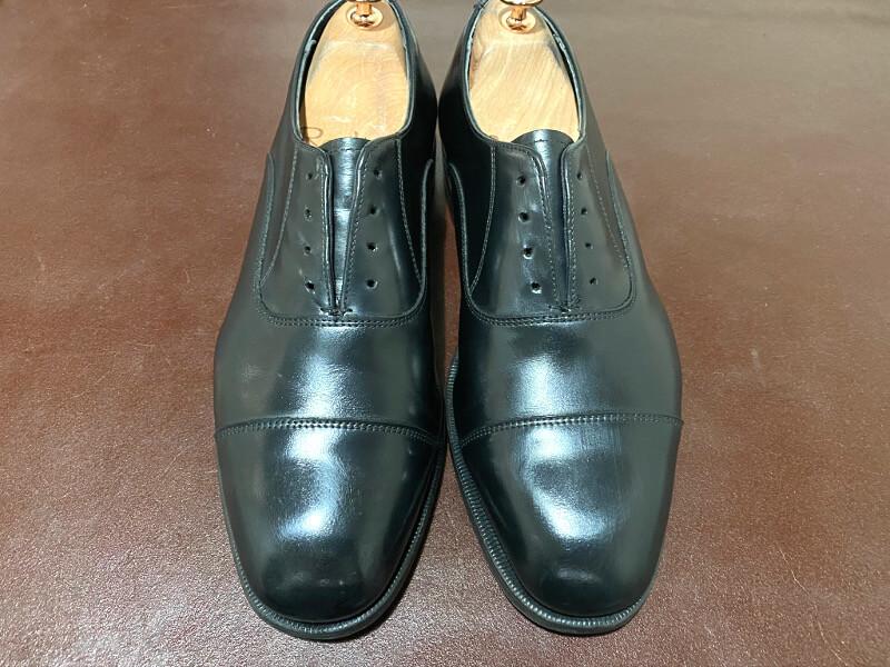 靴磨きをして完成