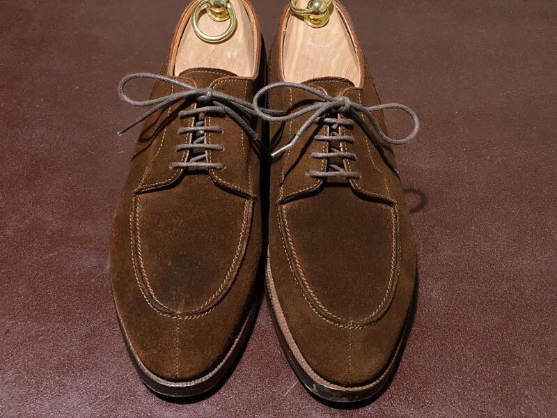 靴紐を結んで完成