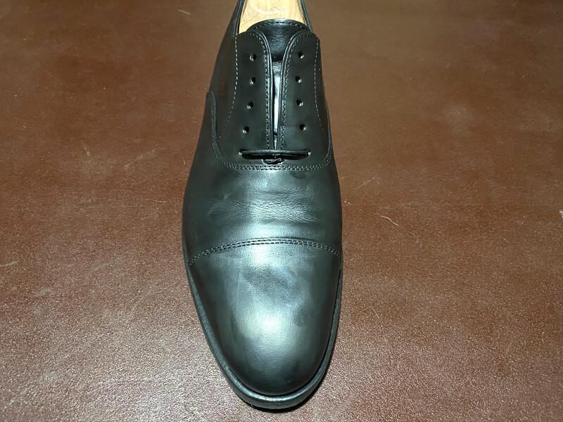 靴クリームの塗布完了