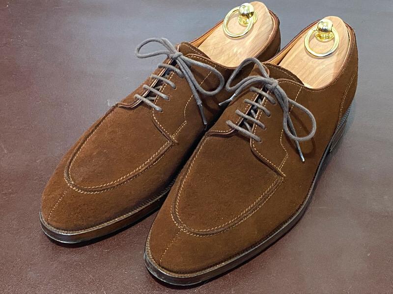 スエードレザーの革靴